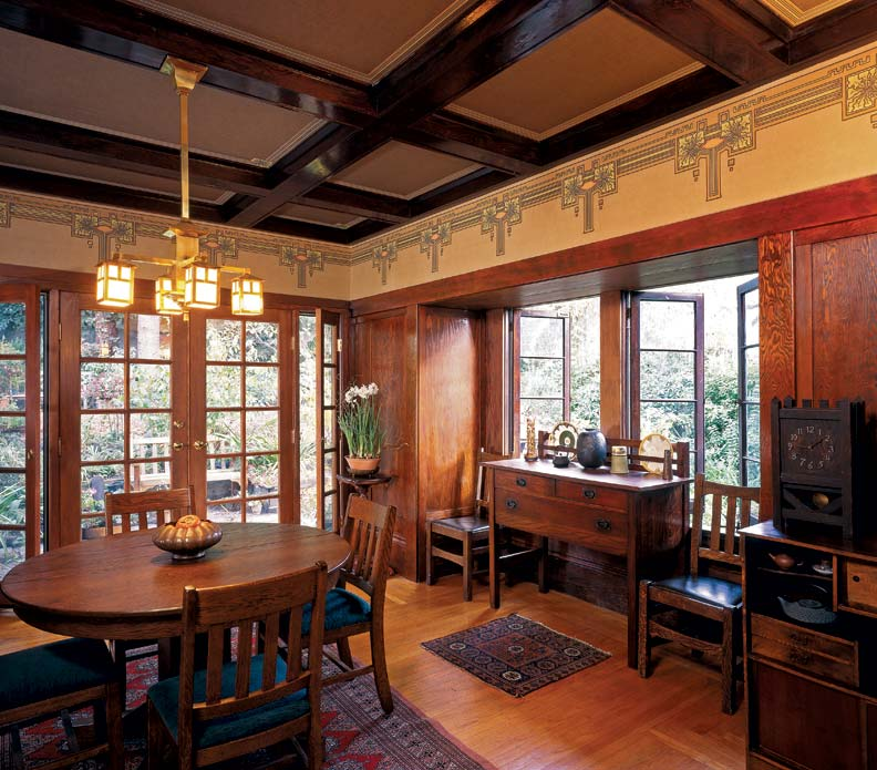 Decorating Your Craftsman Style Home on a Budget
