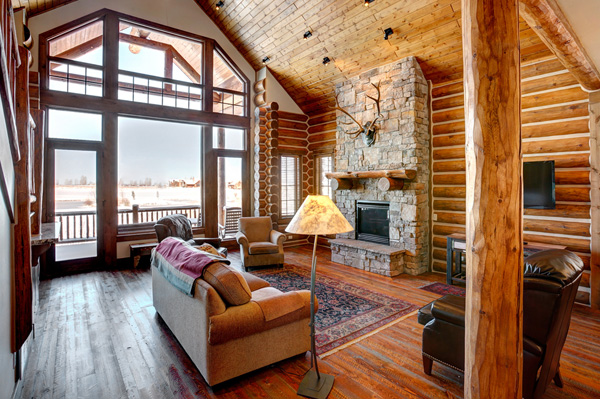 Log Homes Have Been Around In Europe And North America For Over 5,000  Years. For Some People, Itu0027s A Vacation Home, But According To The Log And  Timber ...